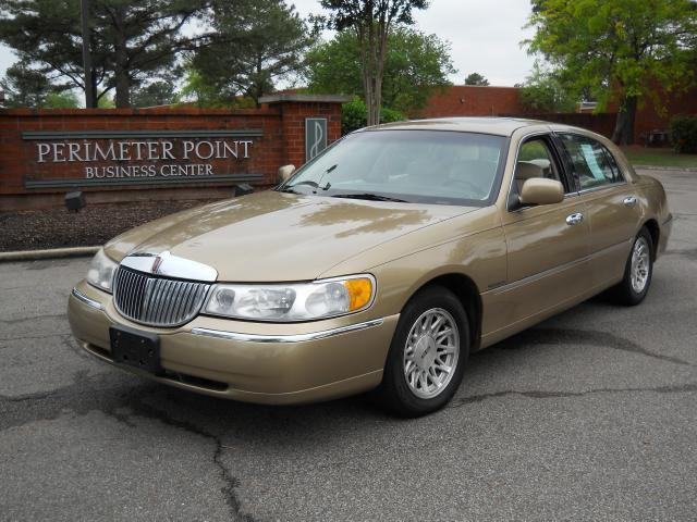 1998 Lincoln Town Car Signature For Sale In Memphis Tennessee