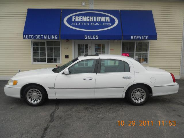 1998 lincoln town car signature for sale in north kingstown rhode island classified. Black Bedroom Furniture Sets. Home Design Ideas