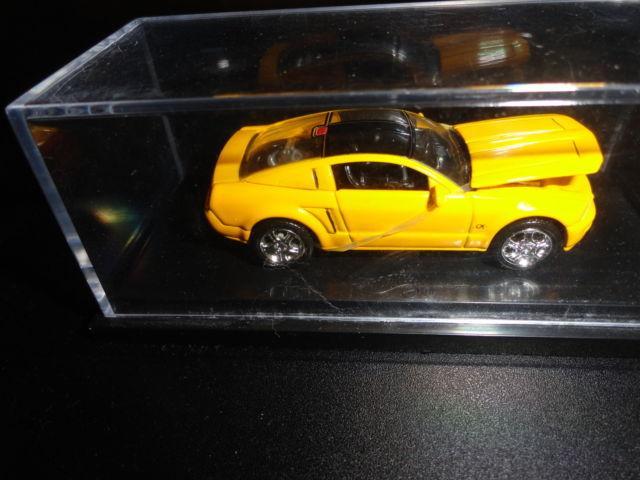 1998 Mattel Hot Wheels FAO Schwarz 1:64 Mustang GT in