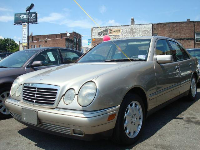 1998 mercedes benz e class e320 for sale in newark new jersey classified. Black Bedroom Furniture Sets. Home Design Ideas