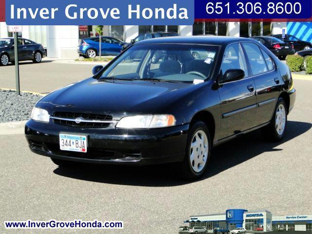 ... Inver Grove Heights, Minnesota · 1998 Nissan Altima GXE