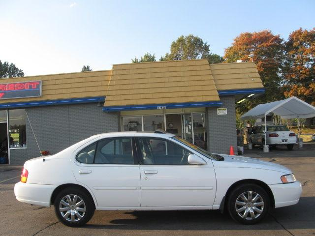 1998 nissan altima gxe for sale in independence missouri classified. Black Bedroom Furniture Sets. Home Design Ideas