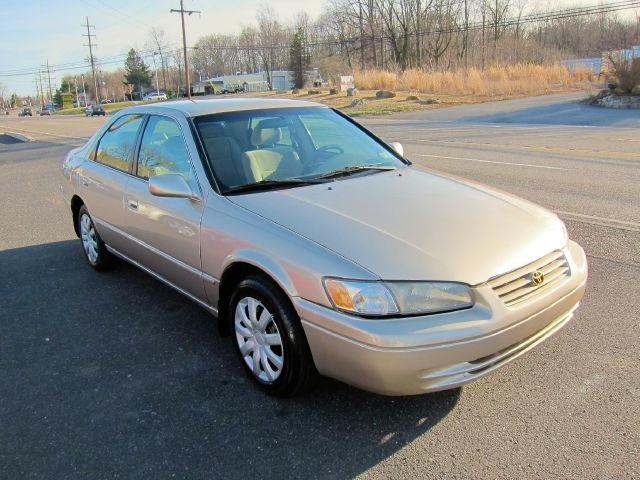 1998 toyota camry le for sale in quakertown pennsylvania classified. Black Bedroom Furniture Sets. Home Design Ideas