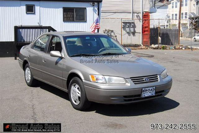 1998 toyota camry le for sale in newark new jersey classified. Black Bedroom Furniture Sets. Home Design Ideas