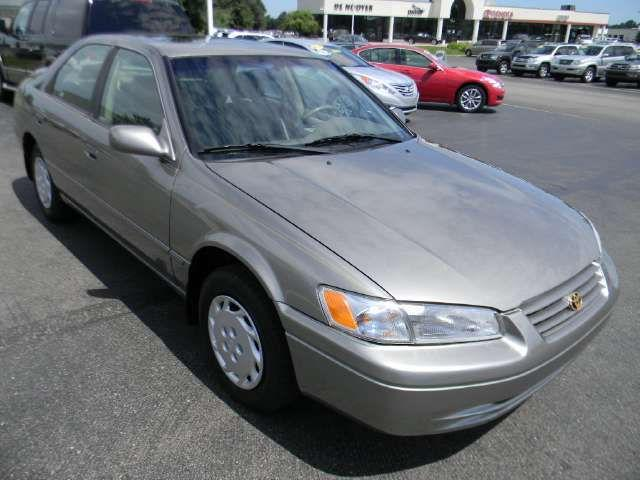 1998 toyota camry le for sale in kalamazoo michigan classified. Black Bedroom Furniture Sets. Home Design Ideas