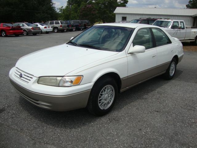 1998 toyota camry le for sale in laurens south carolina classified. Black Bedroom Furniture Sets. Home Design Ideas