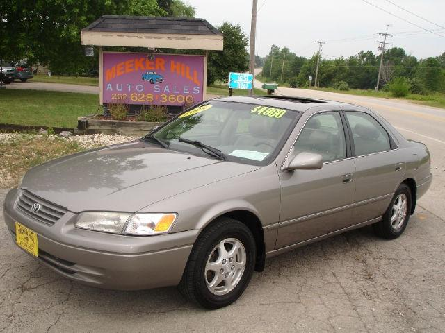 1998 toyota camry le for sale in germantown wisconsin classified. Black Bedroom Furniture Sets. Home Design Ideas