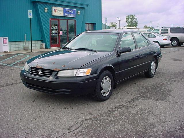 1998 toyota camry le for sale in pontiac michigan classified. Black Bedroom Furniture Sets. Home Design Ideas
