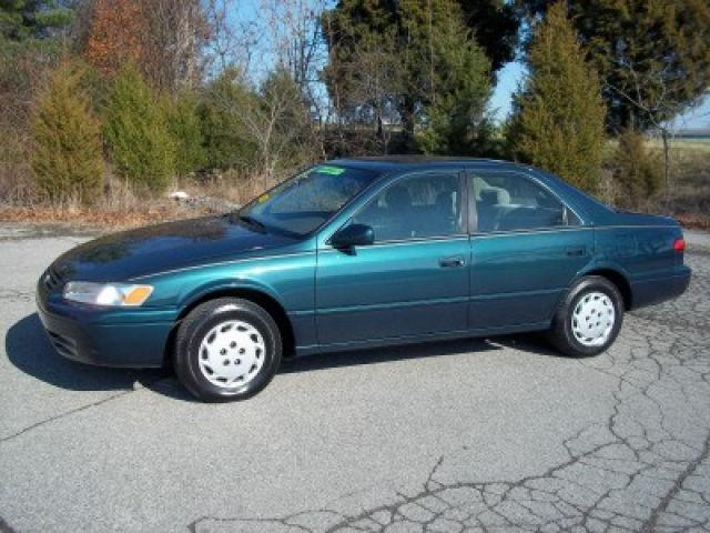 1998 toyota camry le for sale in old hickory tennessee classified. Black Bedroom Furniture Sets. Home Design Ideas