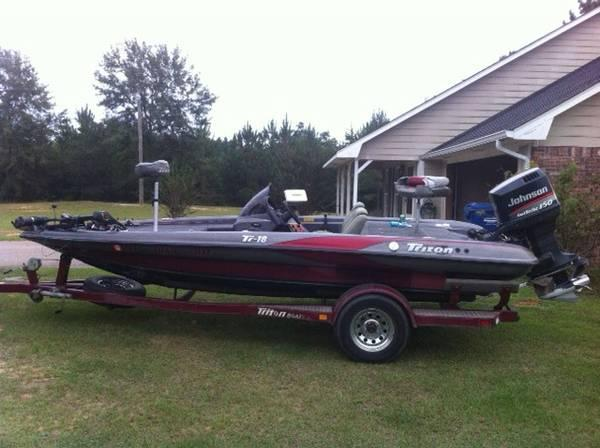 1998 Triton TR18 Boat 150 Johnson Faststrike - $9500