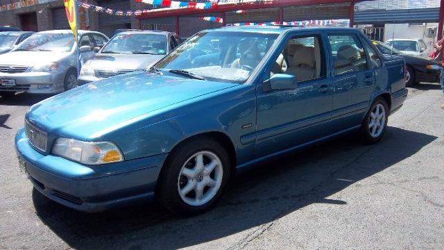 Volvo S Americanlisted on 2000 Volvo S70 Air Conditioning