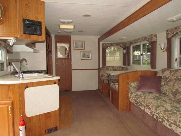 1999 27' PROWLER TRAVEL TRAILER W/SUPER SLIDE VERY NICE