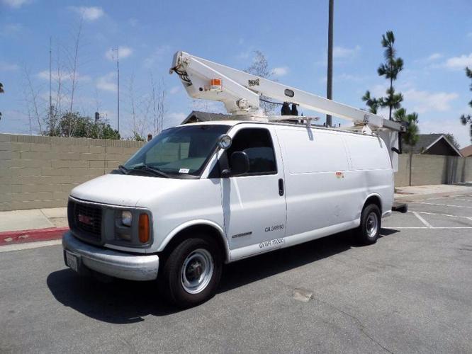 1999 Chevrolet G3500 Telsta A28D 33' Bucket Van