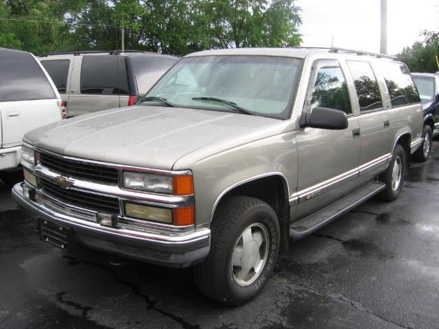 1999 chevrolet suburban for sale in muskego wisconsin classified. Black Bedroom Furniture Sets. Home Design Ideas