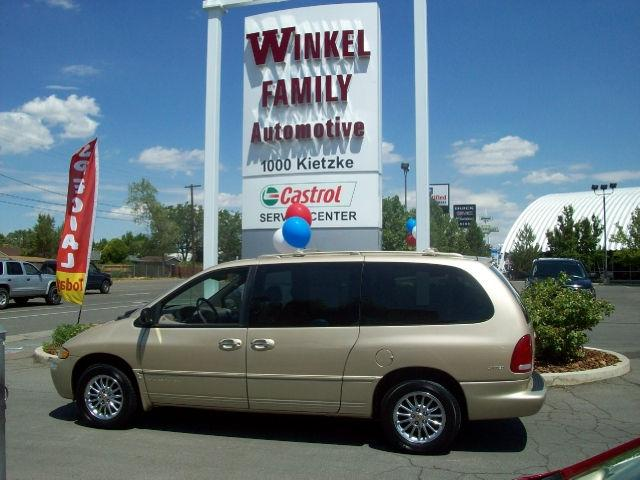 1999 Chrysler Town Amp Country Limited Awd For Sale In Reno