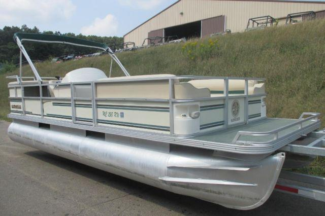 1999 Crest Ii Dl Pontoon Boat With 40 Horsepower Force By