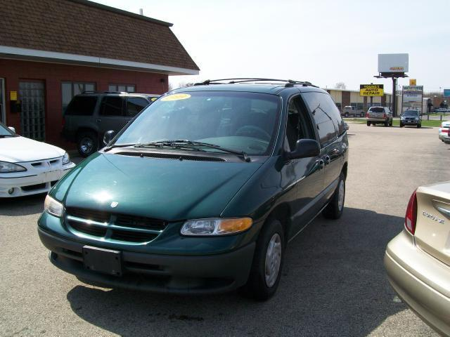 1999 dodge caravan se for sale in mchenry illinois. Black Bedroom Furniture Sets. Home Design Ideas