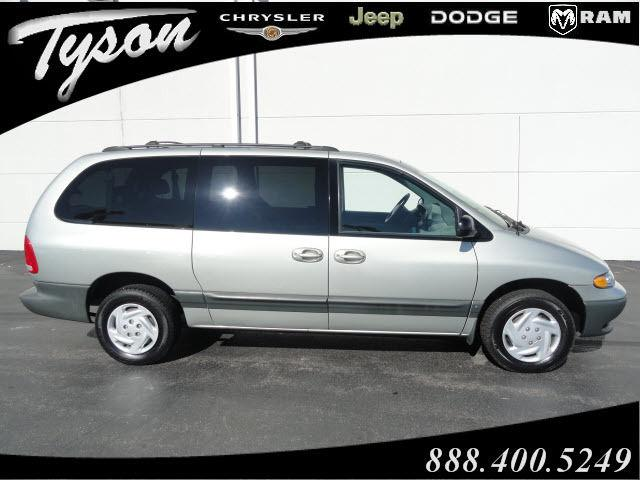 1999 dodge grand caravan se for sale in shorewood. Black Bedroom Furniture Sets. Home Design Ideas