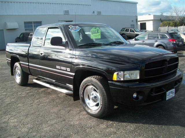 1999 dodge ram 1500 for sale in green bay wisconsin classified. Black Bedroom Furniture Sets. Home Design Ideas