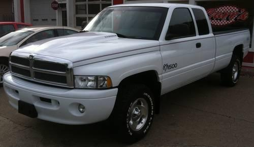 Dodge 1500 For Sale >> 1999 DODGE RAM 1500 SPORT QUAD CAB 4X4 ONLY 62K RARE 8 FOOT BED for Sale in Calcutta, Ohio ...
