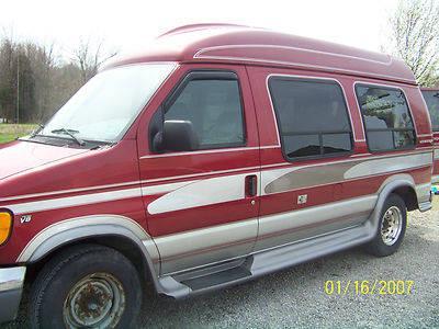 1999 Ford E-250 Econoline XL Standard Cargo Van 2-Door 5 4L