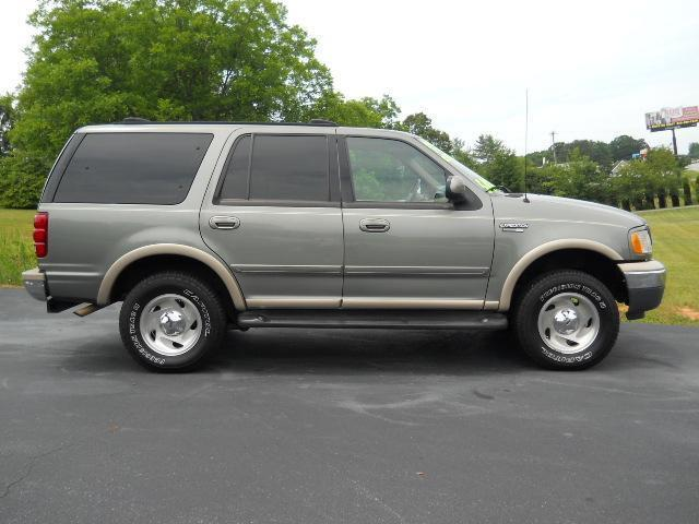 1999 ford expedition eddie bauer for sale in hickory north carolina classified. Black Bedroom Furniture Sets. Home Design Ideas