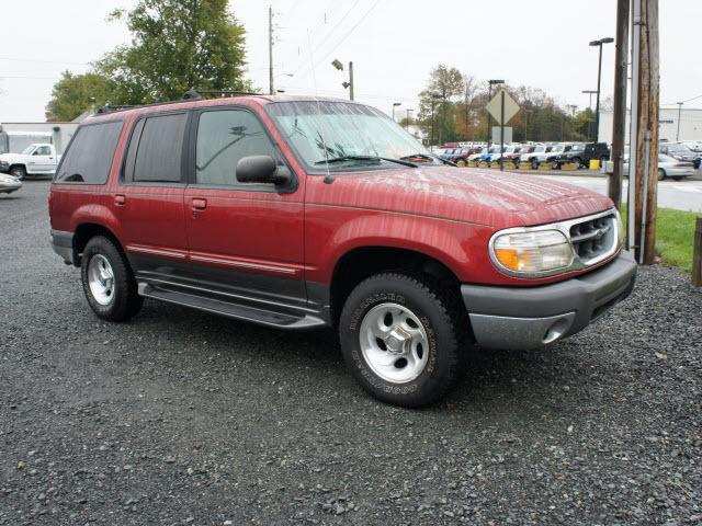 1999 ford explorer xlt for sale in gilbertsville. Black Bedroom Furniture Sets. Home Design Ideas