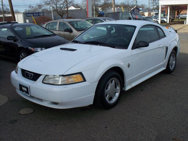 1999 ford mustang for sale in lancaster ohio classified. Black Bedroom Furniture Sets. Home Design Ideas