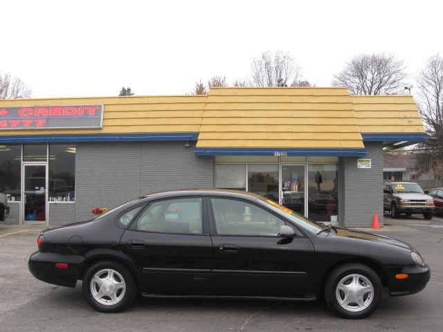 1999 ford taurus se for sale in independence missouri classified. Black Bedroom Furniture Sets. Home Design Ideas