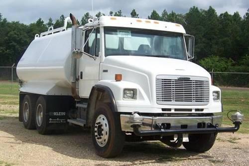 1999 Freightliner FL106 Water Truck REDUCED PRICE