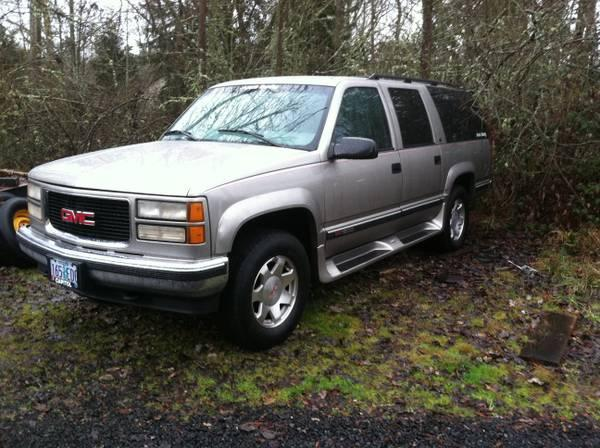 1999 gmc suburban 4x4 parting out for sale in grants pass. Black Bedroom Furniture Sets. Home Design Ideas