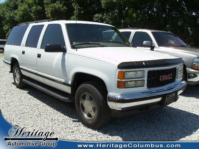 1999 gmc suburban for sale in columbus indiana classified. Black Bedroom Furniture Sets. Home Design Ideas