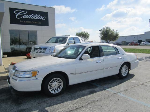 1999 Lincoln Town Car Signature For Sale In Greenwood Indiana Classified Americanlisted Com