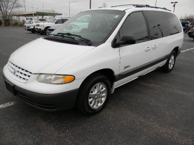 1999 plymouth grand voyager se for sale in carol stream. Black Bedroom Furniture Sets. Home Design Ideas