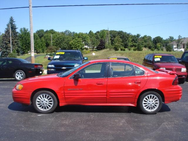 1999 pontiac grand am se for sale in west bend wisconsin classified. Black Bedroom Furniture Sets. Home Design Ideas
