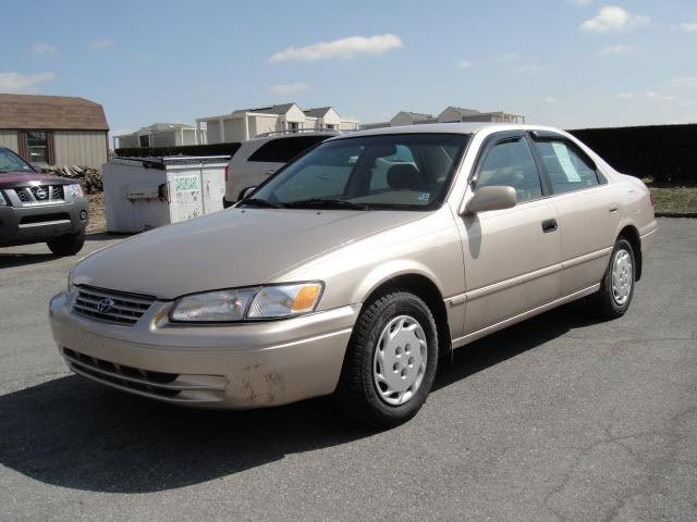 1999 toyota camry le for sale in duncansville pennsylvania classified. Black Bedroom Furniture Sets. Home Design Ideas