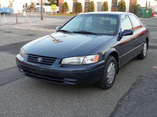 1999 toyota camry le for sale in farmingdale new york classified. Black Bedroom Furniture Sets. Home Design Ideas