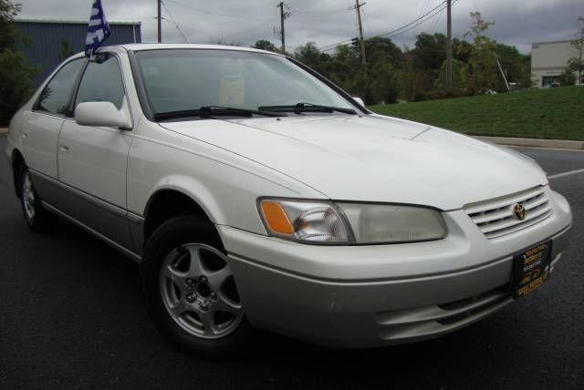1999 toyota camry le for sale in chantilly virginia classified. Black Bedroom Furniture Sets. Home Design Ideas
