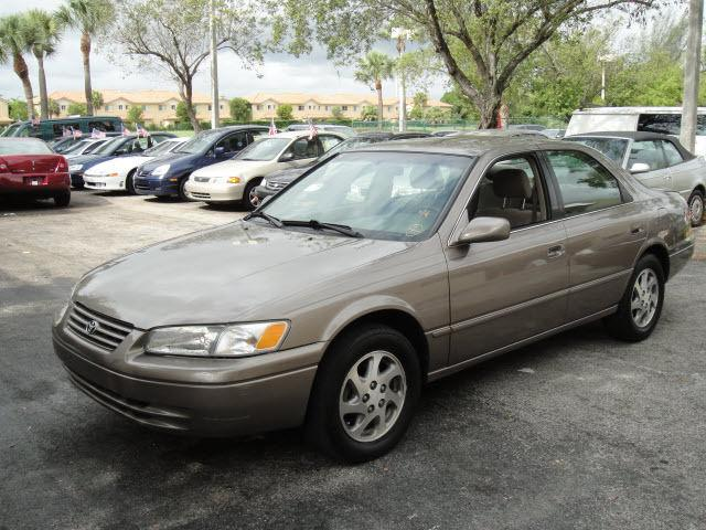 1999 toyota camry le v6 for sale in north lauderdale florida classified. Black Bedroom Furniture Sets. Home Design Ideas