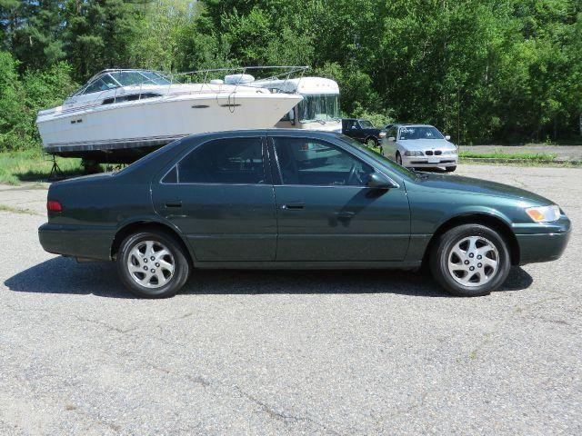 1999 toyota camry le v6 sedan green auto 171k for sale in kingston new hampshire classified. Black Bedroom Furniture Sets. Home Design Ideas