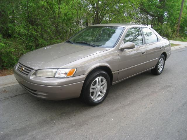 1999 toyota camry le for sale in charlotte north carolina classified. Black Bedroom Furniture Sets. Home Design Ideas