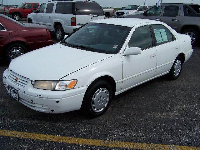 1999 toyota camry le for sale in pontiac illinois classified. Black Bedroom Furniture Sets. Home Design Ideas