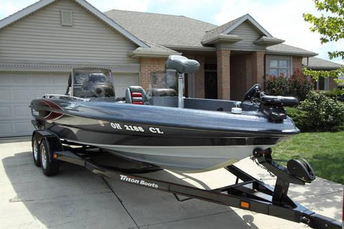 Electric Motor Repair Ohio furthermore 350 V8 Engine Diagram besides Triton Snowmobile Trailer Plug Wiring Diagram in addition Evinrude Bike moreover Wiring Lowrance Mark 5x. on triton boat wiring diagram