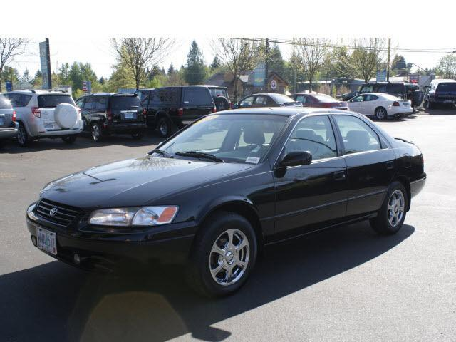 1999 toyota camry le for sale in sandy oregon classified. Black Bedroom Furniture Sets. Home Design Ideas