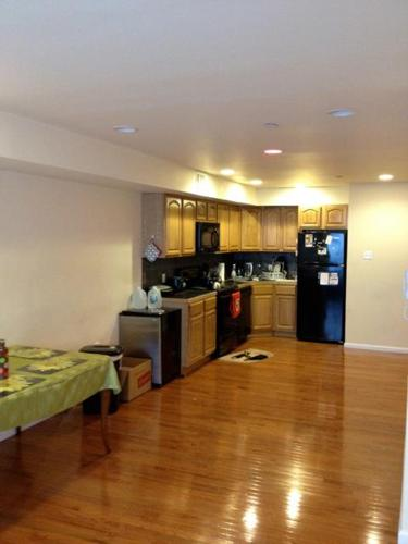 1br Walk to Class -1 Bedroom Available for Mature