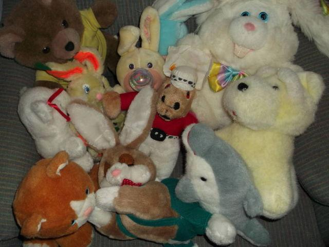 2 bags of stuffed plush animals for sale in cleveland ohio classified. Black Bedroom Furniture Sets. Home Design Ideas