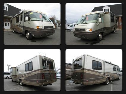 2-0-0-5 Airstream Land Yacht 30J - Slide-Out Low Profile