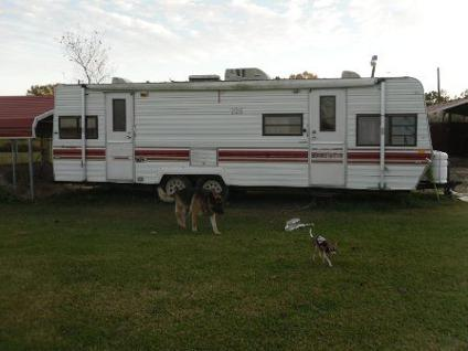 $2,500 1984 Fleetwood Prowler 28 ft Camper