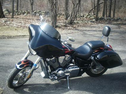$2,700 06 HONDA VTX 1800 C>>>Sport Touring