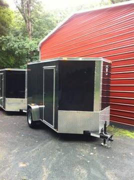 $2,750 Enclosed V nose cargo trailer 6x10